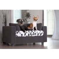 Raised dog bed by Giusypop
