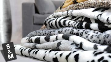 Rectangular faux fur cushion covers